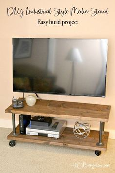 Tutorial to make a DIY industrial style media stand with wheels. Simple step directions for an upscale industrial cart style tv stand. Industrial Tv Stand, Industrial House, Industrial Style, Industrial Pipe, Industrial Furniture, Vintage Industrial, Tv Diy, Palette Europe, Swivel Tv Stand
