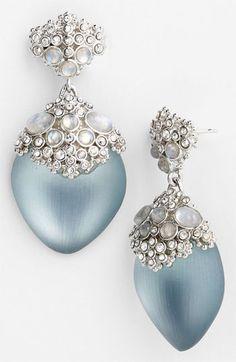 Something Blue- Alexis Bittar 'Teatro Moderne' Chandelier Earrings (Nordstrom Exclusive) Jewelry Box, Jewelry Accessories, Fine Jewelry, Jewlery, Teardrop Earrings, Pearl Earrings, Parisienne Chic, Himmelblau, Schmuck Design