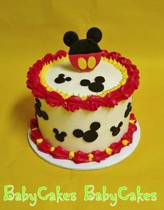 A Mickey Mouse smash cake for a little one's photo shoot. Mickey Mouse Smash Cakes, Mickey Mouse First Birthday, Mickey Cakes, 1st Birthday Cakes, Birthday Ideas, Pastel Mickey, Cupcake Cakes, Cupcakes Kids, Cake Smash
