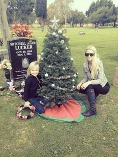 Aww this is so cute but sad too!! Merry Christmas Mitch Lucker