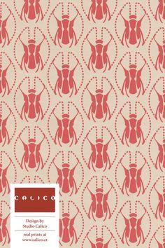 handprint ornaments * handprint art * paper art * paper crafts * * pattern design * pattern and prints * * * wrapping ideas * wrapping christmas ideas * wrapping presents * Crafts For Girls, New Crafts, Cute Crafts, Creative Crafts, Ribbon Crafts, Paper Crafts, Paper Art, Kids Christmas Ornaments, Christmas Ideas
