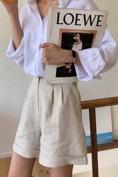 Summer Shorts Outfits, Short Outfits, Summer Pants, Linen Pants Outfit, Linen Shorts, Minimal Fashion, European Fashion, Look Cool, Pants For Women