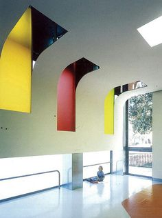 Murcia Kindergarten - curved ceiling with colourful cut-outs
