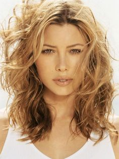 Actress Jessica Biel Has Ditched Her Famous Golden Brown Hair For A Design 440x584 Pixel
