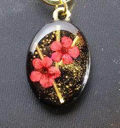 【和風レジン】梅 Resin Jewlery, Resin Jewelry Making, Resin Necklace, Polymer Clay Jewelry, Uv Resin, Wood Resin, Acrylic Resin, Resin Art, Diy Jewelry Projects