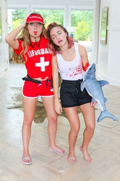 bff halloween costumes for 2 - bff halloween costumes Lifeguard Halloween Costume, Lifeguard Costume, Cute Group Halloween Costumes, Hallowen Costume, Fete Halloween, Halloween Outfits, Bff Costume Ideas, Tween Halloween Costumes For Girls Diy, Shark Week Costume