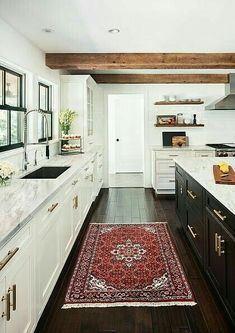 Modern Kitchen Design From cottage to minimalism, there's a black kitchen sink for your style. - From cottage to minimalism, there's a black kitchen sink for your style. Two Tone Kitchen Cabinets, Farmhouse Kitchen Cabinets, Farmhouse Style Kitchen, Modern Farmhouse Kitchens, Black Kitchens, New Kitchen, Home Kitchens, Kitchen Decor, Kitchen Rug