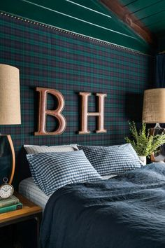 53 DIY, Repurposed and Upcycled Headboard Ideas | HGTV Picture Frame Headboard, Old Headboard, Headboard With Lights, How To Make Headboard, Modern Headboard, Headboard Ideas, Diy Headboards, Small Space Design, Small Spaces