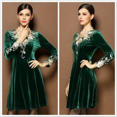 Jordan Dress, Dress Outfits, Fashion Dresses, Velvet Dresses, Vintage Velvet, Cheongsam, Embroidery Dress, Green Velvet, Western Wear