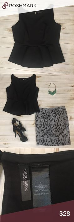 Women's XL Black Bisou Bisou Peplum top🖤 So cute!! Peplum tops are so in!! Jump on the bandwagon and buy this Bisou Bisou Black peplum top!! Sleeveless with an adorable keyhole back!! Size XL! In good condition!! 😍🖤 (WT570) Bisou Bisou Tops