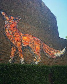 Bruxelles Ville colorée   Le renard  de @dzia #bruxelles #brussels #bruxellesmabelle #bxl #bx #bxlove #bybrussels #bruxellestagram #bruxellesjetaime #bxl_online #visitbrussels #igbrussels #belgique #belgium #welovebrussels #brusselslove #graffiti #streetart #streetstyle #urban #urbanart #sprayart#wallart#bnw #insta_bw #brusselsgraffiti #dzia