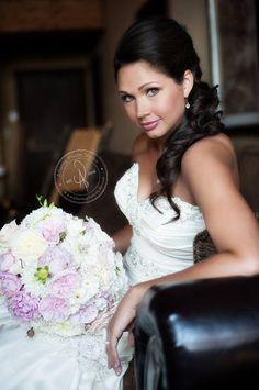 The gorgeous Jessica Holden!  #lakelanierislands, #legacy weddings..  Stunning! #BridalBouquet filled with #roses, #ranunculus, blush #pinkhydrangeas, #dahlias, #blush #pink snowberries, and #whitefreesia.   #Atlantaphotostudio Photography.