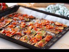 Zucchini au gratin with cherry tomatoes and onion - CuciniAmo con Chicca Zucchini Au Gratin, Vegetarian Lifestyle, Antipasto, Gnocchi, Kung Pao Chicken, Cherry Tomatoes, Vegetable Pizza, Food And Drink, Healthy Recipes