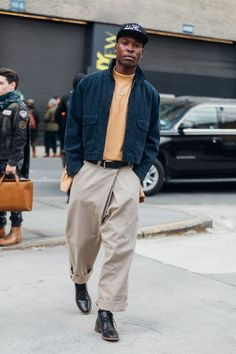 Street style Fashion Week homme automne hiver 2017 2018 New .- Street style Fashion Week homme automne hiver 2017 2018 New York 70 Street style Fashion Week homme automne hiver 2017 2018 New York 70 – - New York Street Style, Street Style Fashion Week, Man Street Style, La Fashion Week, Men Street, Fashion Weeks, Winter Street Style Men, Mens Street Style 2018, Street Style Trends