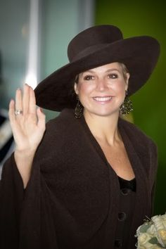 Queen Maxima opens Queen Maxima Kazerne Marachaussee | MYROYALS &HOLLYWOOD FASHİON