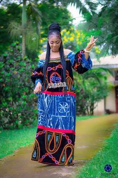 African Maxi Dresses, Latest African Fashion Dresses, African Dresses For Women, African Print Fashion, Africa Fashion, African Attire, African Women, African Print Jumpsuit, Traditional African Clothing