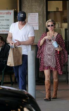 Chris Hemsworth and Elsa Pataky having pizza in Malibu