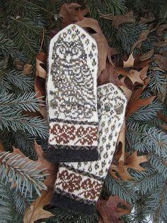 Ravelry: Owl in Oaks Mittens pattern by Natalia Moreva