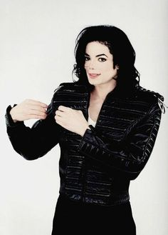 I love Michael Jackson so much. He's my favorite singer