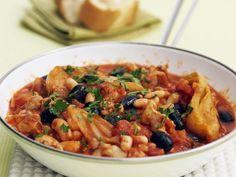 Mediterranes Hähnchenragout ist ein Rezept mit frischen Zutaten aus der Kategorie Hähnchen. Probieren Sie dieses und weitere Rezepte von EAT SMARTER!