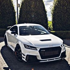 page ABT Audi TTRS-R 😍 Dope or nope? 🔥 Comment below 👇 Tag a frie. Luxury Sports Cars, Top Luxury Cars, Audi A7, Audi Sport, Sport Cars, Ferrari, Lux Cars, Car Tuning, Koenigsegg