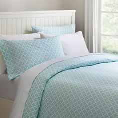 Just finished designing my own bed on #PBteen! Like the 'Cloverfield Organic duvet cover?' I do too (: