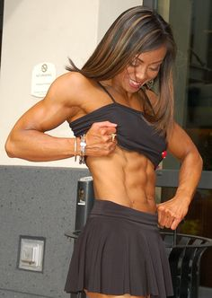 IFBB fitness pro Rose Hendricks and her abs