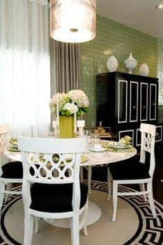 Woodson & Rummerfield - dining rooms - woodson and rummerfield, white, dining, chairs, white, saarinen, marble, top, dining, table, round, g...