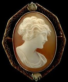 Carved Shell Cameo Brooch Depicting Bust Of Lady, Yellow Gold Octagonal Filigree Mounting Marked 14k, Applied Green Gold Leaves - American  -  Prices4Antiques