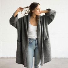 Lauren Manoogian Capote Coat at General Store Capote Coat, Simple Outfits, Cute Outfits, Winter Stil, Knitted Coat, Minimalist Fashion, Everyday Fashion, Beautiful Outfits, Autumn Winter Fashion