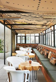 The New Ace Hotel LA – I think some soft seating could help make it more intimate / more of a date spot. Barrio Restaurant, Architecture Restaurant, Deco Restaurant, Restaurant Design, Bar Piscina, Piscina Hotel, Ace Hotel Los Angeles, Downtown Los Angeles, Commercial Design