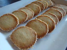 Himmelske kager: Håkonskager anno 2011 Danish Cake, Danish Food, Pistachio Cake, Scandinavian Food, Pavlova, Christmas Baking, Danish Christmas, Sweet Bread, No Bake Desserts