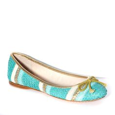 LYON FLAT by Vince Camuto available at Binns of Williamsburg