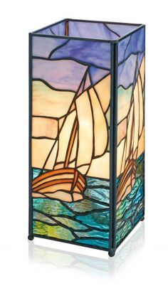 Everything made of Glass Making Stained Glass, Faux Stained Glass, Stained Glass Lamps, Stained Glass Designs, Stained Glass Projects, Stained Glass Patterns, Mosaic Glass, Glass Art Pictures, Broken Glass Art