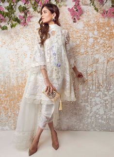 What's not to love- the all new Farah Talib Aziz ready to wear luxe pret collection is just what you need this festive season! Featuring a mix of embellished cotton net and printed silk tunic… Source by afrozearshad dress pakistani Pakistani Fashion Casual, Pakistani Dresses Casual, Eid Dresses, Pakistani Dress Design, Indian Dresses, Indian Outfits, Asian Fashion, Fashion Dresses, Eid Outfits Pakistani