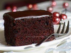 Kulinarne Spotkania: Ciasto czekoladowe z wiśniami i ganaszem czekoladowym