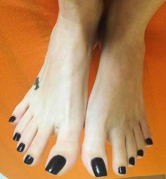 Stunning toes