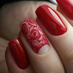 Whatever your age is, the red nail polish is always a nice choice. The red nails are so versatile that you can wear them for different styles and occasions. Red nail designs are timeless, what can … Lace Nails, Flower Nails, Red Nail Polish, Red Nails, Nail Art Dentelle, Trendy Nail Art, Manicure E Pedicure, Manicure Ideas, Creative Nails