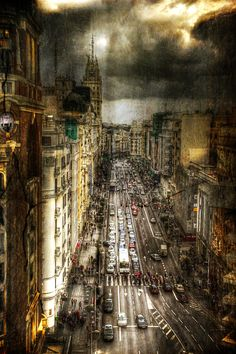 Madrid, calle Gran Via by Dani Parra
