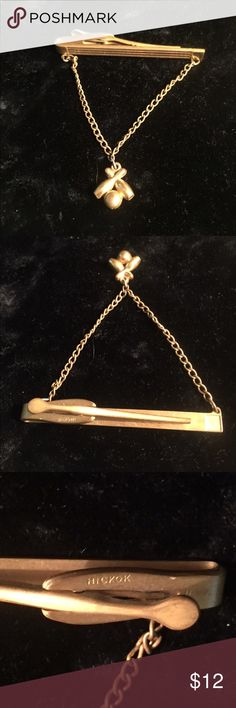 """Vintage Bowling Tie Bar Clip with Chain ~ HICKOK Great retro Vintage Gold Tone Bar Tie Clip with Chain, Bowling Ball & 2 Pins. Maker and Marks: HICKOK, U.S.A. Wonderful condition with slight patina from age and normal wear. Measurements: bar  2-1/4"""" x 1/4""""; Bowling Ball & Pins 1/2""""; Chain drop 2"""". Vintage Accessories Jewelry"""