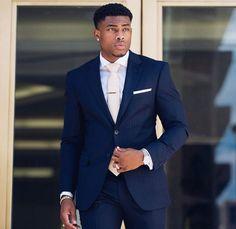 Stunning 40 Flawless Black Men Style Ideas That Looks Modern Gorgeous Black Men, Handsome Black Men, How To Look Handsome, Black Man, Black Men In Suits, Blue Suits, Elegant Man, Mens Fashion Suits, Suit And Tie