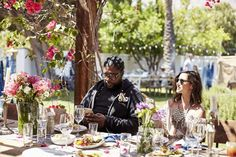 Dannijo Brunch: Dannijo and Mercedes-Benz hosted a weekend in Palm Springs in collaboration with LoveShackFancy for media and tastemakers. There, Questlove hosted a brunch at a rustic table set simply with relaxed floral arrangements.