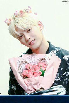 Minhyuk #HUTA #YA #BTOB Im Hyunsik, Lee Changsub, Btob Lee Minhyuk, Yook Sungjae, Flower Boys, Cube Entertainment, Korean Artist, Korean Celebrities, Vixx