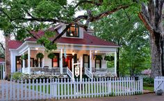 "Known as the ""Bed and Breakfast capital of East Texas,"" Jefferson makes a perfect winter getaway."