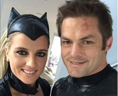 The athletic duo dress up as their heroic alter-egos to back the boys in black Manu Tuilagi, Rugby Nations, Richie Mccaw, Dan Carter, All Blacks Rugby, All Black Everything, Sport, Just For Fun, Catwoman