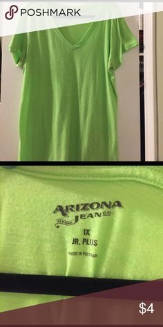 Arizona Short Sleeve Junior Tee V-Neck Has been worn a few times and might show light signs of piling throughout. But quite faint. Arizona Jean Company Tops Tees - Short Sleeve