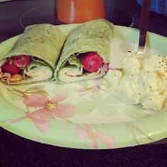 Spinach wrap with turkey, chesse, spinach, grape tomatos, cucumber, salt and pepper, oil & vin and potato salad!