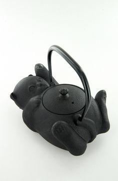 ❧ cats everywhere - des chats partout ❧      ~      cast iron cat teakettle - Japanese