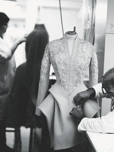 designspeaking - LVMH. LUXURY IN THE HANDS OF NEW GENERATIONS #lvmh #newgeneration#moda #fashion #school #handmade #progetto #design #luxury #designspeaking #wearing #arts #artigianale #lusso #history #formazione #program #paris #ime