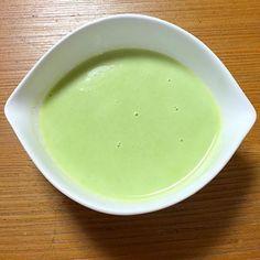 実家の母が庭で採れたグリーンピースを沢山送ってくれたので、作ってみました。 - 5件のもぐもぐ - グリーンピースのスープ by Menkichi